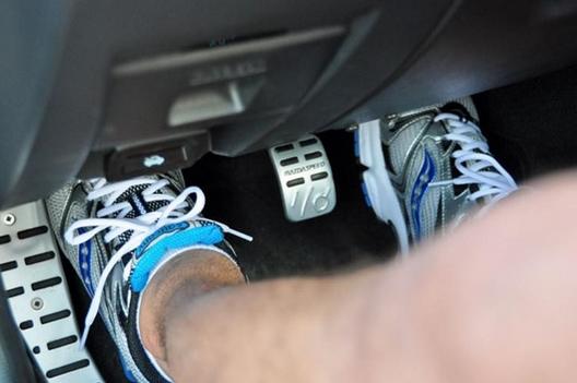 sử dụng chân côn số sàn
